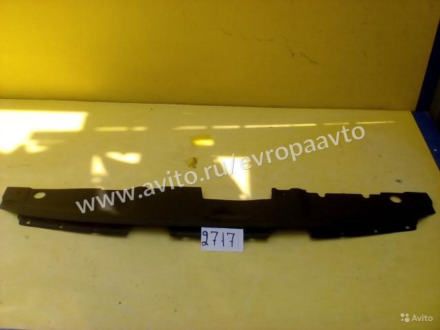 Hyundai Solaris накладка замка капота