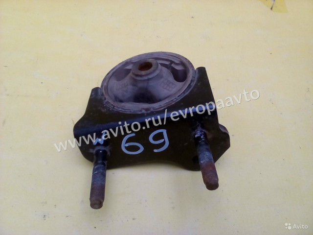 Toyota Corolla подушка двигателя нижняя