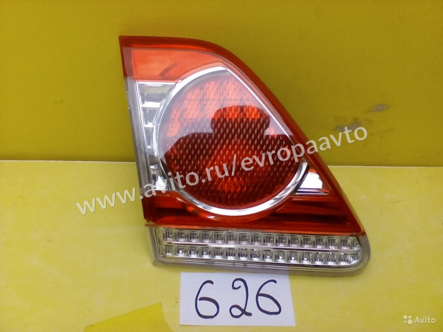 Toyota Corolla 150 фонарь задний левый в крышку багажника