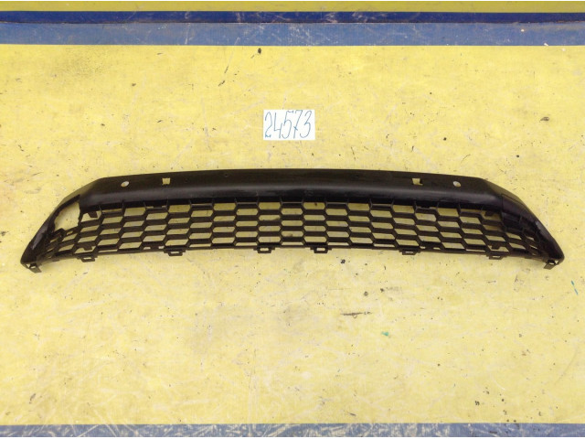Lexus NX решетка переднего бампера нижняя