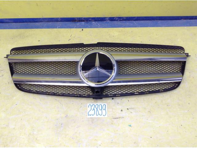 Mercedes GL X166 решетка радиатора под камеру