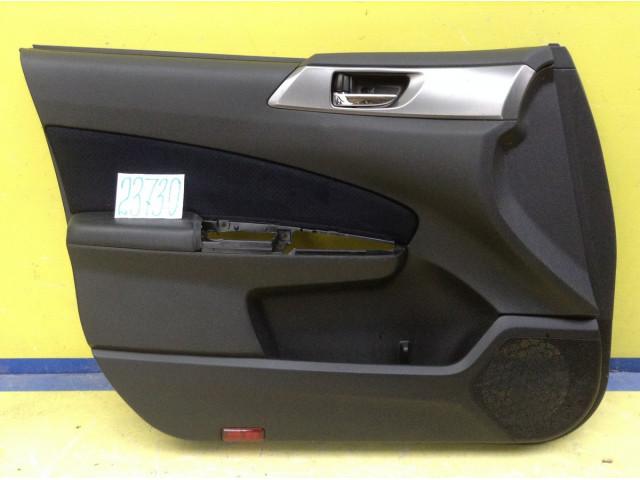 Subaru Forester обшивка двери передняя левая