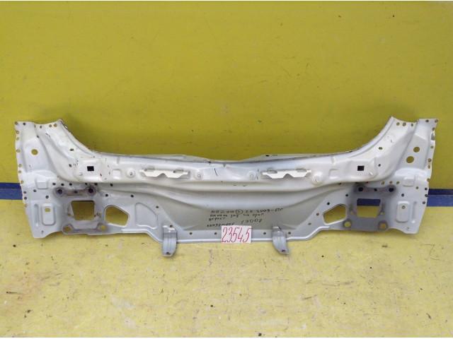 Mazda 3 хэтчбек панель задняя