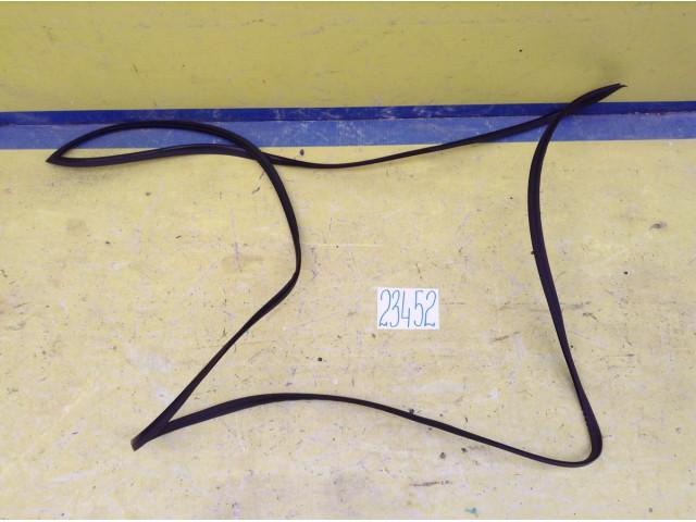 Kia Rio уплотнитель заднего стекла
