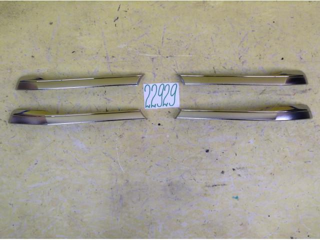 Toyota Hilux хром накладка решетки радиатора