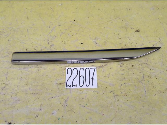 LExus RX накладка двери задняя правая
