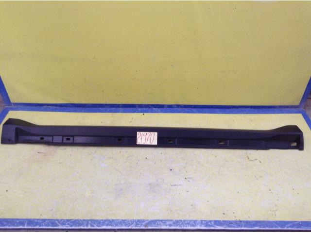 Subaru Forester накладка левого порога