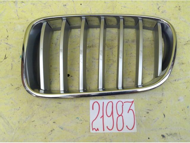 Bmw X3 F25 решетка радиатора левая