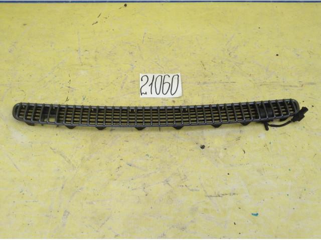 Bmw 3 E46 решетка капота