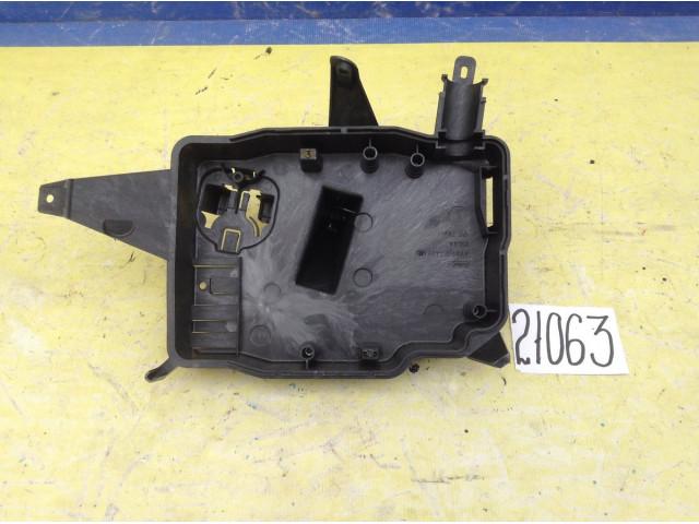Ford Focus 3 корпус блока управления двс