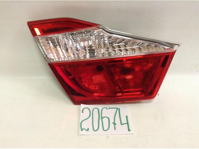 Toyota Camry 50 фонарь задний левый