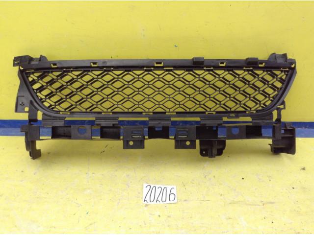 Renault Sandero решетка переднего бампера