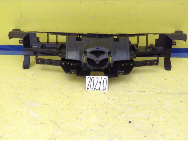 Mazda 3 BL кронштейн решетки радиатора
