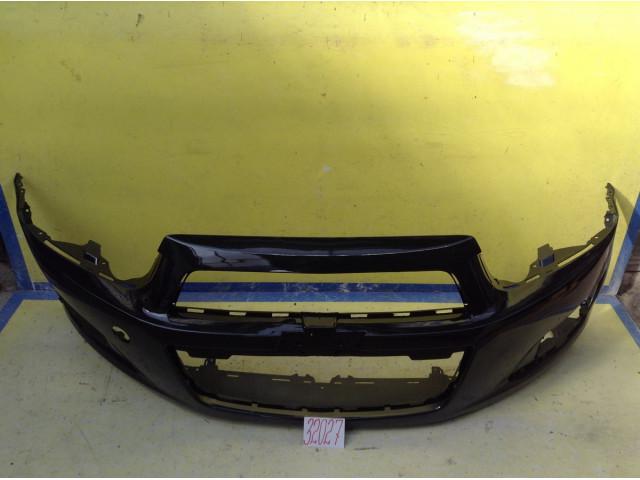 Chevrolet Aveo Т300 Бампер передний цвет Черный код краски FE879423P
