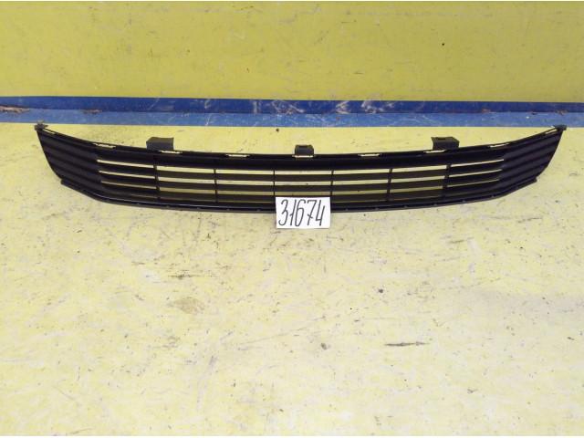 Toyota Camry XV50 Решетка радиатора нижняя часть