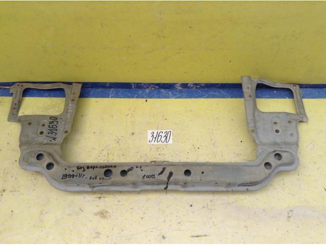 Hyundai  Accent Передняя панель нижняя часть