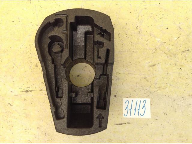 Volkswagen Polo ящик инструментов в багажное отделение