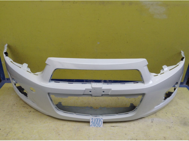 Chevrolet Aveo T300  бампер передний цвет белый олимпик GAZ