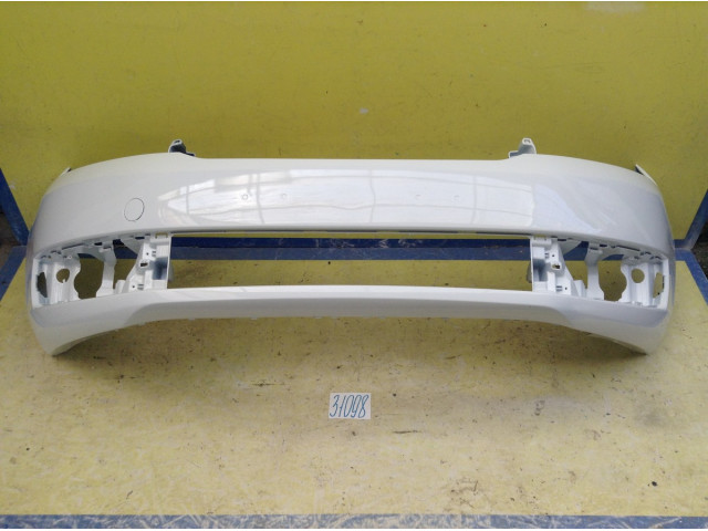 Skoda Rapid Бампер передний цвет Белый код краски С9А