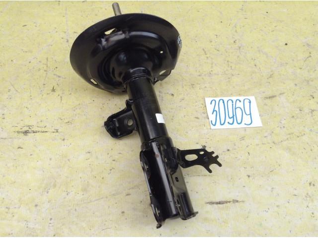 Toyota Camry V70 2,5л объем Стойка Амортизатор передний правый