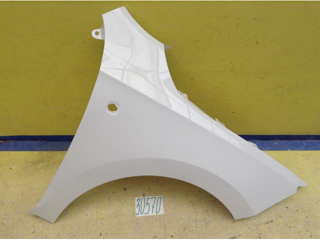 Skoda Rapid Крыло переднее правое под ПТФ цвет Белый код краски LC9A