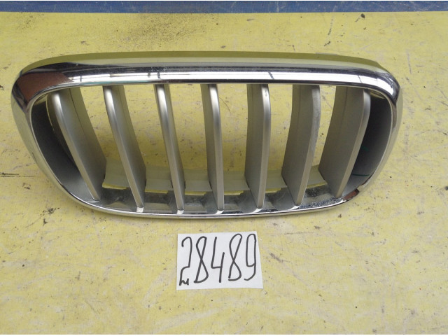 BMW X5 F15 правая решетка радиатора