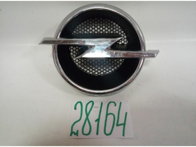 Opel Antara эмблема решетки радиатора