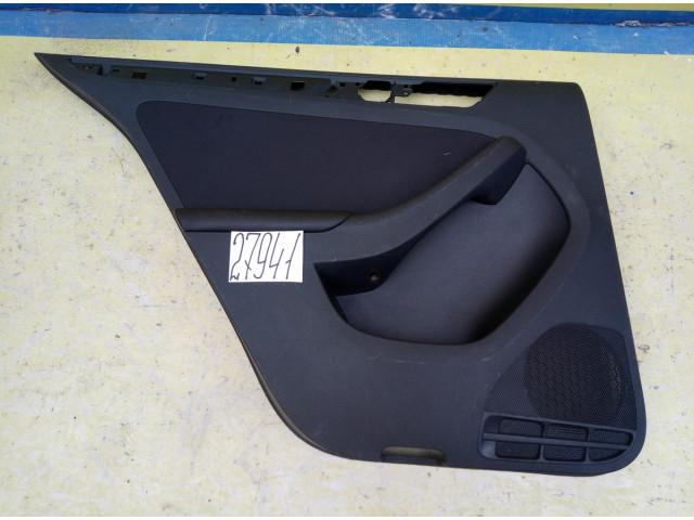 Volkswagen Jetta 6 обшивка задней левой двери