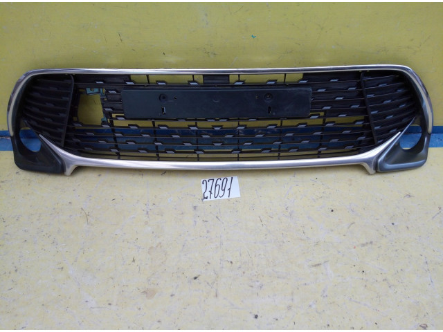 Toyota Camry 55 Решетка переднего бампера эксклюзив