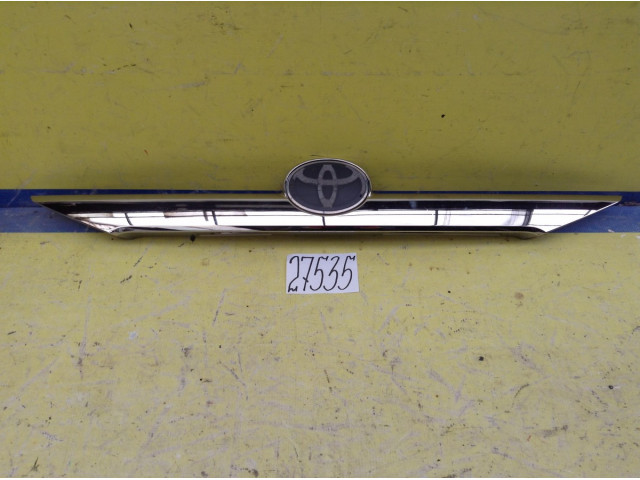 Toyota Camry 50 Хром Накладка крышки багажника