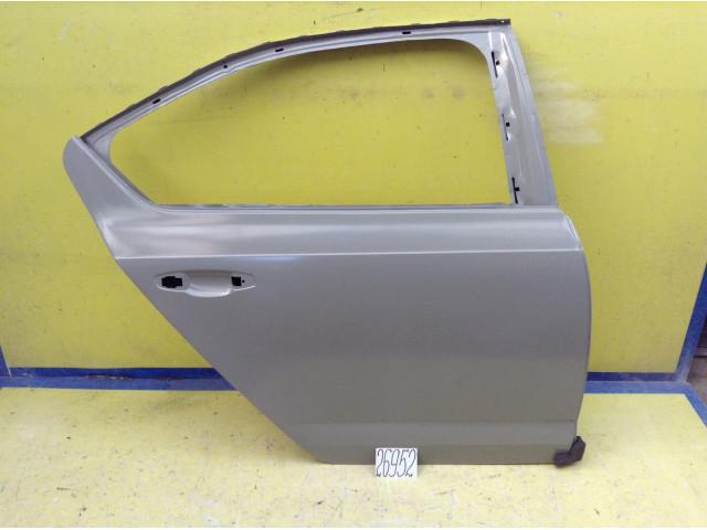 Skoda Octavia A7 дверь задняя правая