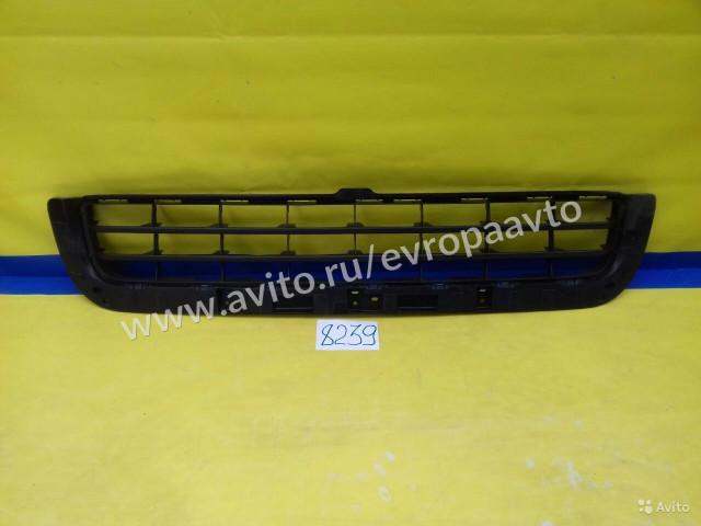 Lexus LX 570 Решетка радиатора