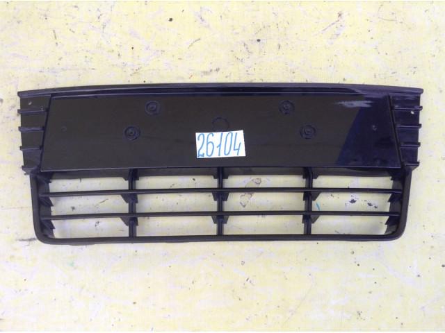 Ford Focus 3 Накладка Решетка переднего бампера