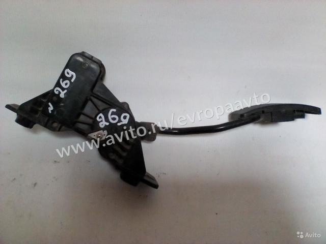 Mitsubishi Colt Педаль газа Электро