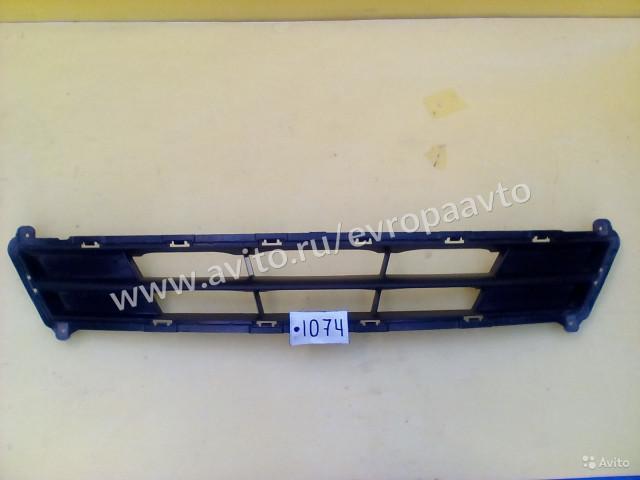 Hyundai Solaris Решетка переднего бампера