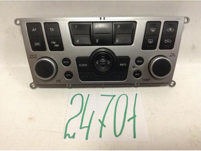 Nissan Almera N16 Панель управления аудио системой