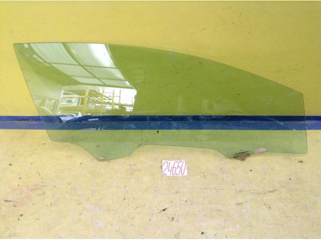 Kia Ceed купе Стекло передней правой двери