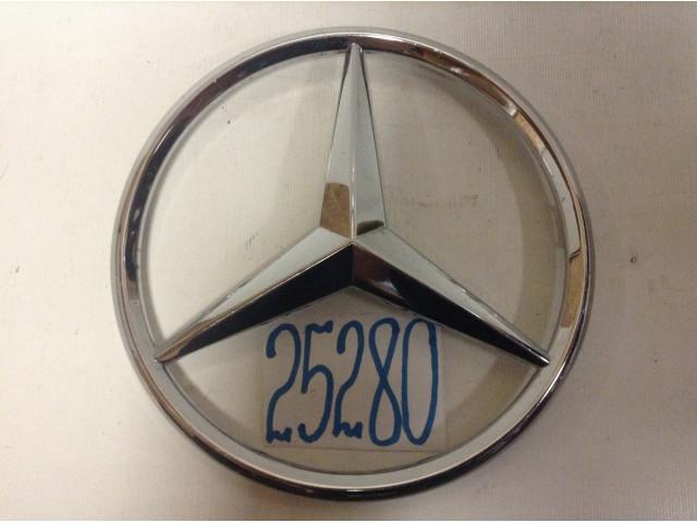 Mercedes E W207 Эмблема Шильдик решетки радиатора