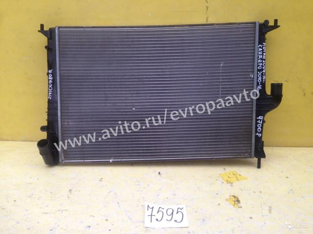 Renault Logan Sandero Радиатор охлаждения
