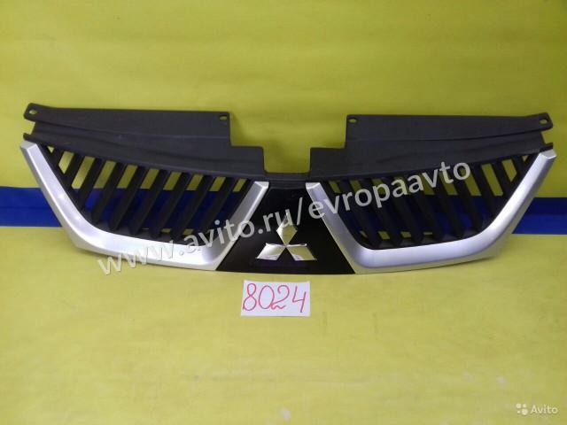 Mitsubishi Outlander XL Решетка радиатора