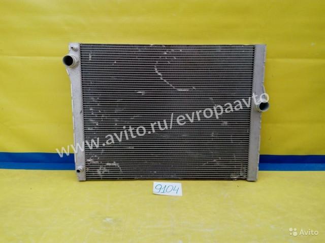 BMW 7 F01 F02 Радиатор охлаждения