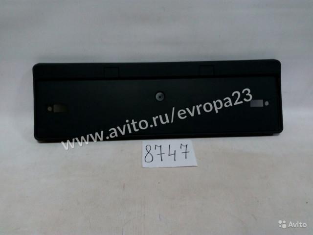 Toyota Venza Подиум под номер задний