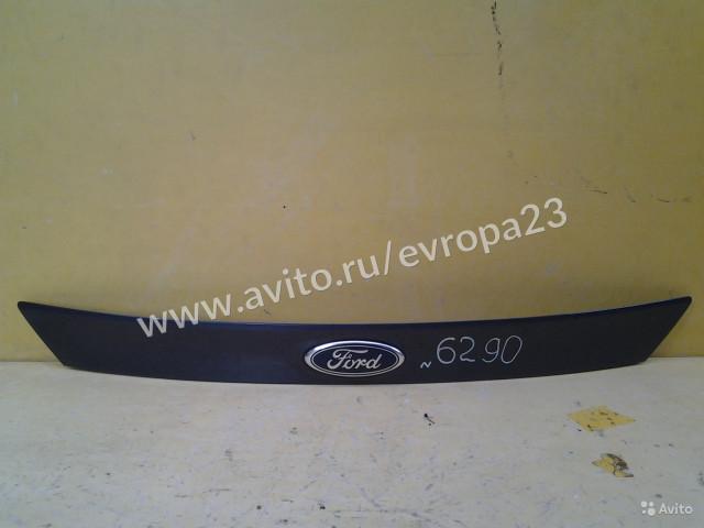 Ford Focus 3 Хетчбек Накладка двери багажника