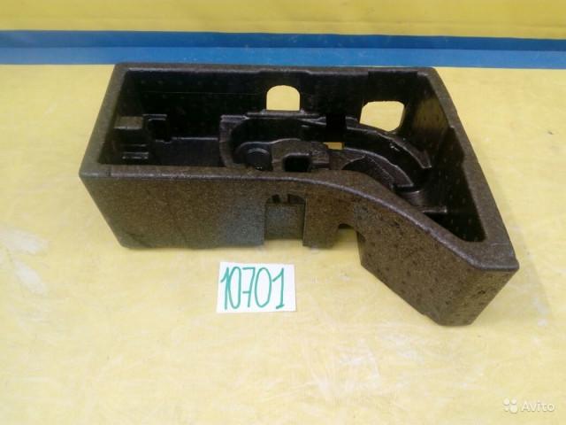 Skoda Yeti Ящик для инструментов в багажник