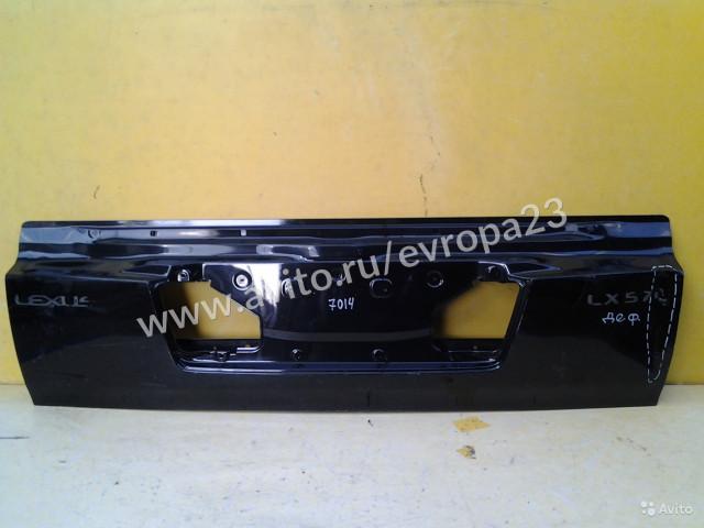 Lexus LX570 Крышка багажника нижняя часть