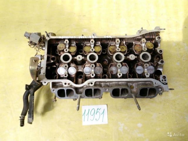 Toyota Avensis Голова блока цилиндров