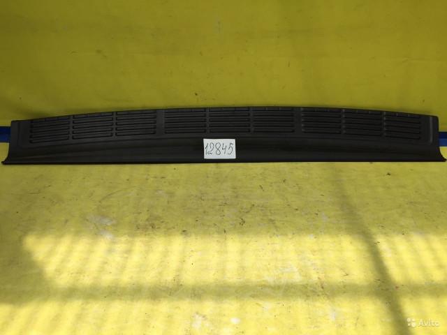 Toyota Land Cruiser 200 Накладка заднего бампера