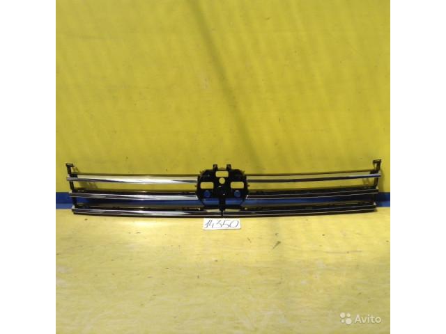 Volkswagen Touareg Хром накладка решетка радиатора