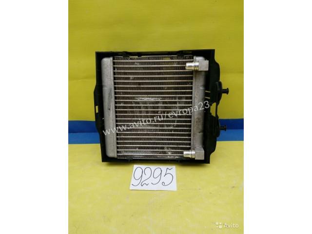 BMW F01 02 Радиатор масляный