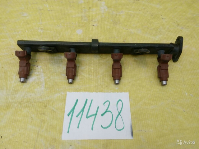 Mitsubishi Colt Топливная рейка с форсунками